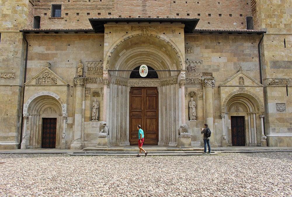 Duomo di Fidenza portale