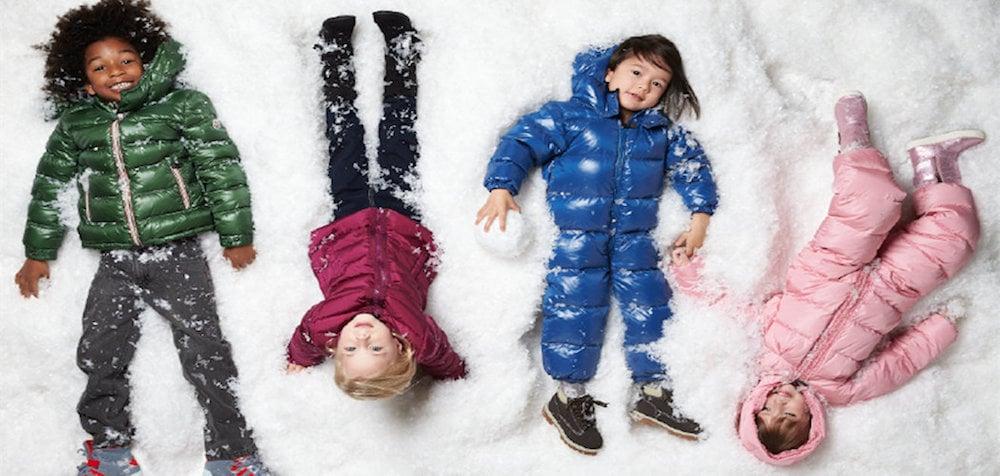 bimbi nella neve