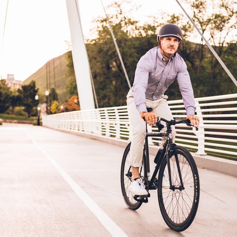 come vestirsi per andare in bici in citta