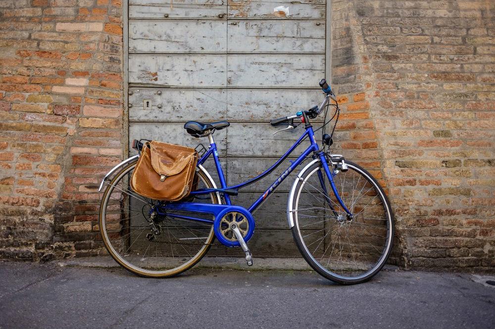 Bici personalizzata con borse in pelle